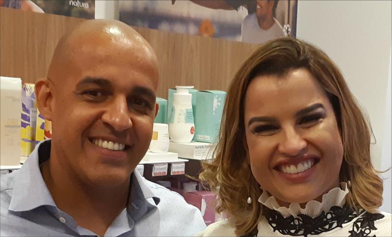 0b4df5413 Os empresários Juliana Brasileiro e Antônio Neto inauguraram, na última  sexta-feira, 9, a primeira loja física da franquia